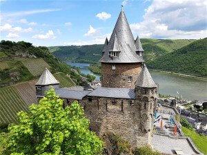 Burg Stahleck am Rhein bei Drachenwolke Geschichten