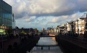 Delft am Rhein Schie Kanal bei Drachenwolke Geschichten