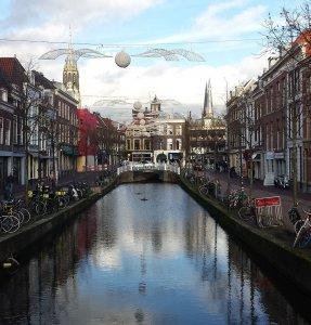 Gracht in Delft beim Rhein Schie Kanal