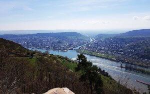 Rossel Niederwalddenkmal am Rhein bei Drachenwolke Geschichten und Quiz