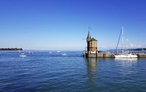 Hafen von Konstanz mit Blick auf den Bodensee