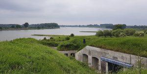 Ausflugstipp Fort Pannerden, Blick vom Dach zur Waal