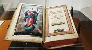 Bibel Buch im Stadtmuseum in der Burg von Boppard