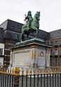 Jan Wellem Denkmal in Düsseldorf und die Sage bei der Drachenwolke
