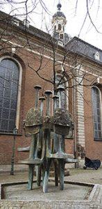 Max Brunnen bei der Max Kirche in Düsseldorf