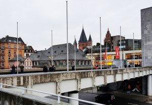 Rathaus Dom Mainz bei Drachenwolke Geschichten und Sagen & Legenden rund um den Rhein