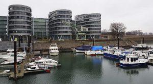 """Bürogebäude """"Five Boats"""" am Rhein Innenhafen in Duisburg Industriekultur"""
