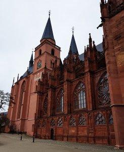 Katharinenkirche bei Drachenwolke Geschichten, Sagen und Legenden rund um den Rhein