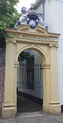 Linneweverspoortje, Tor bzw Eingang zur Uni Bibliothek