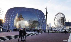 Markthalle von aussen in Rotterdam bei Drachenwolke Geschichten