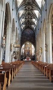 Kirchenraum des St Nikolaus Münsters in Überlingen