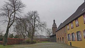 Juddeturm und Museum in der Altstadt von Zons