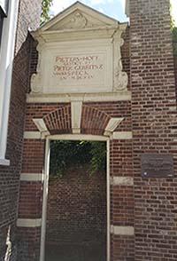 Eingang zum Petershof in Leiden