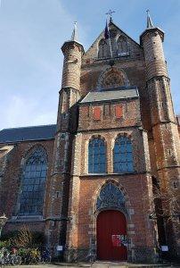 St. Pieterskerk Leiden am Rhein bei Drachenwolke Geschichten und Sagen, Legenden und Info rund um den Rhein