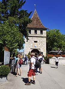 Eingang Schloss Laufen beim Rheinfall