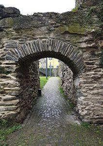 römischer Torbogen in Boppard