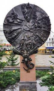 Schicksalsrad in der Nibelungen Stadt Worms bei Drachenwolke Geschichten und Sagen Legenden und Infos rund um den Rhein