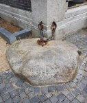 Stein an der Kette in Utrecht bei der Drachenwolke